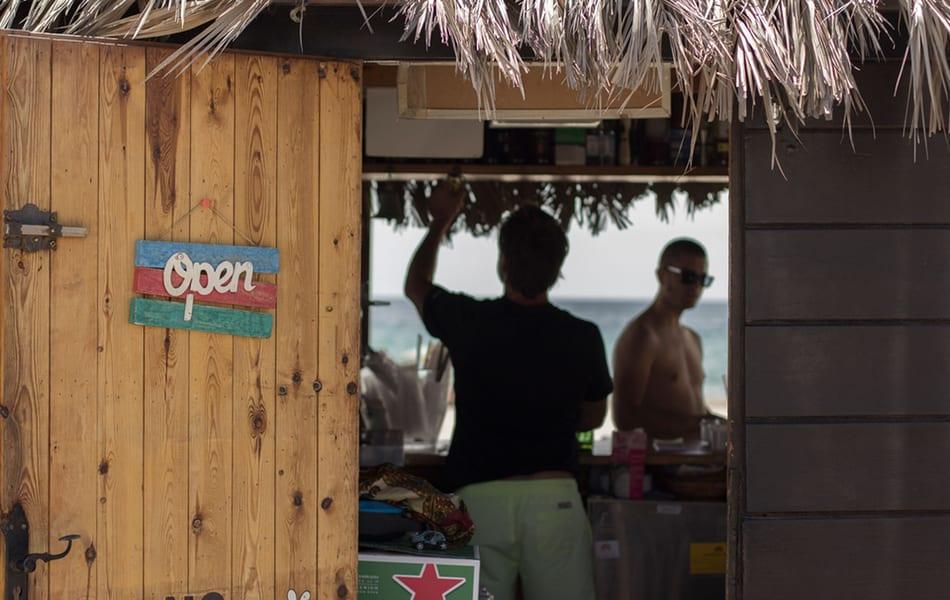 Quince playas en la zona del Mar Menor 2019 ofrecen acceso y servicios para favorecer el baño de discapacitados
