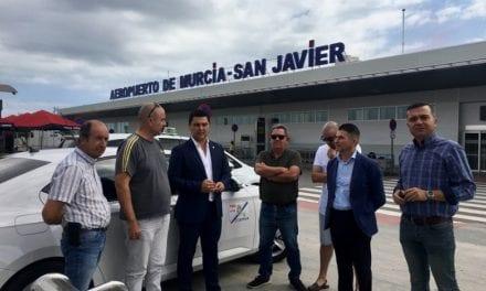 El Alcalde de San Javier defiende a los taxistas