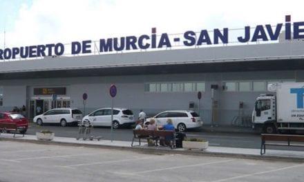Últimos aterrizajes y despegues En el aeropuerto de San Javier con el presidente de Aena y el coronel de la AGA