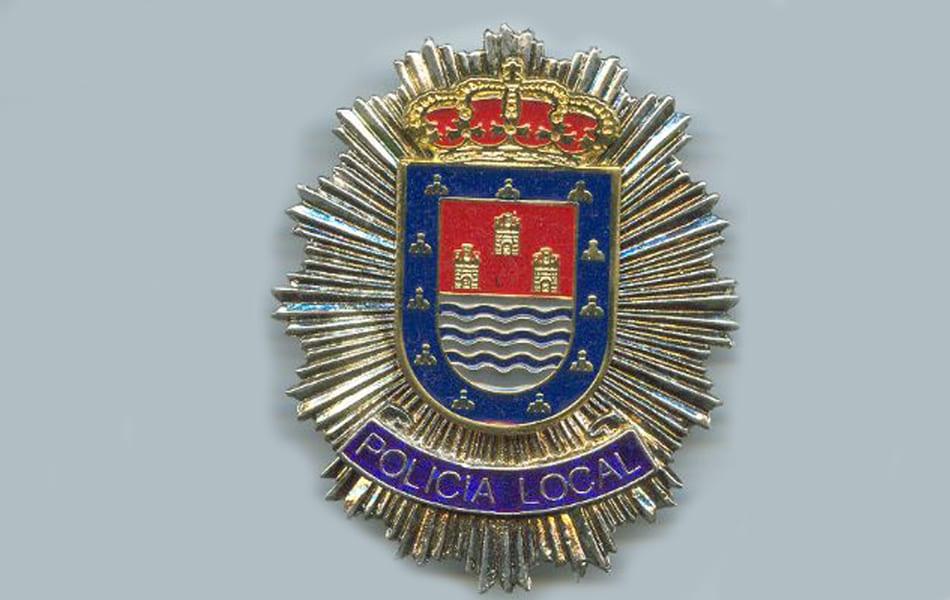 Policía Local de los Alcázares detiene a un hombre sorprendido dentro de una vivienda