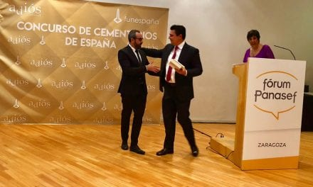 El alcalde de San Javier recoge en Zaragoza el Premio Nacional a la mejor actividad de Puertas Abiertas