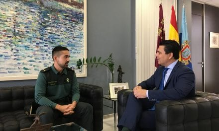 El Alcalde de San Javier recibe al nuevo Teniente-Comandante del Cuartel de la Guardia Civil