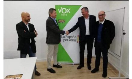 VOX de San Pedro del Pinatar da la bienvenida al concejal Pedro Fenol