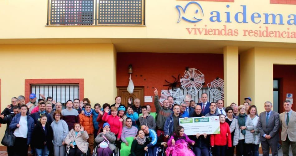 Aidemar recibe la recaudación de la Bicicleta Solidaria