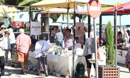 Mercado Artesano del Mar Menor en la explanada Barnuevo, de Santiago de la Ribera 12 de mayo 2019