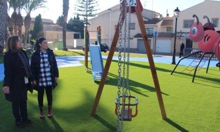 El Ayuntamiento de San Pedro del Pinatar realiza reformas en parques y zonas infantiles