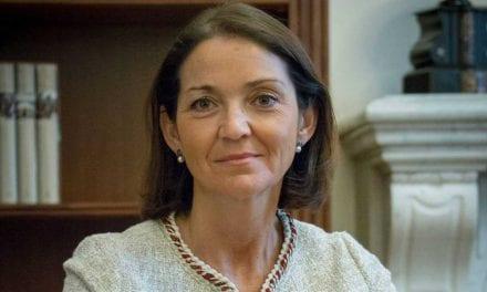 La ministra de Industria, Turismo y Comercio anuncia inversiones para impulsar el turismo en el Mar Menor