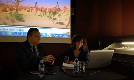 Yakaar, el nuevo libro de Carlos Hernández presentado en San Pedro del Pinatar