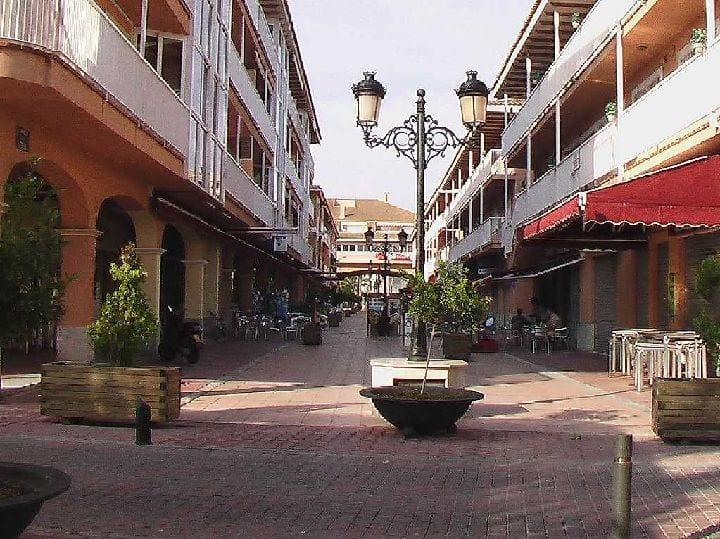 El Paseo de la Feria de Los Alcázares reordenará las terrazas y los expositores