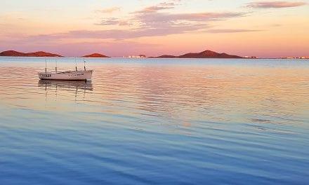 Beneficios al bañarse en aguas del Mar Menor