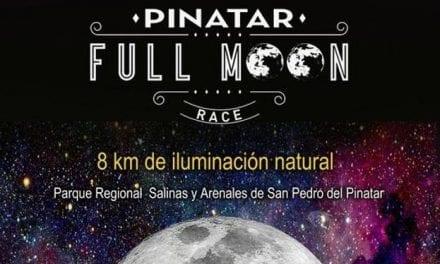 Una carrera bajo la luna llena en San Pedro del Pinatar