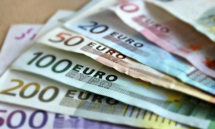 Los 60.000 euros en donaciones llegan a los afectados por las riadas en Los Alcázares tras 2 años
