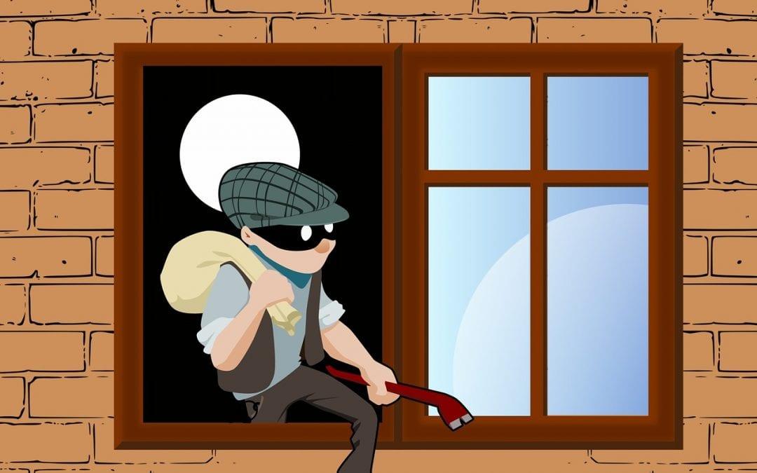 Intentaba robar en una vivienda en La Ribera y lo detuvo la policía