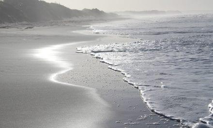 Un hombre de 82 años fallece en una playa de La Manga