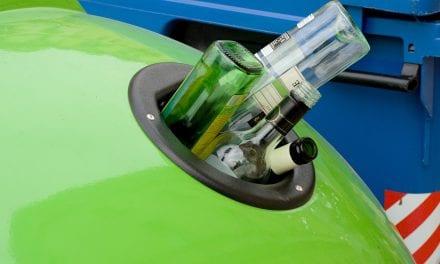 En San Pedro del Pinatar los hosteleros compiten por ser los que más kilos de vidrio reciclen