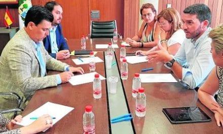 Antonio Luengo pide a la CHS ayuda para la regeneración del Mar Menor