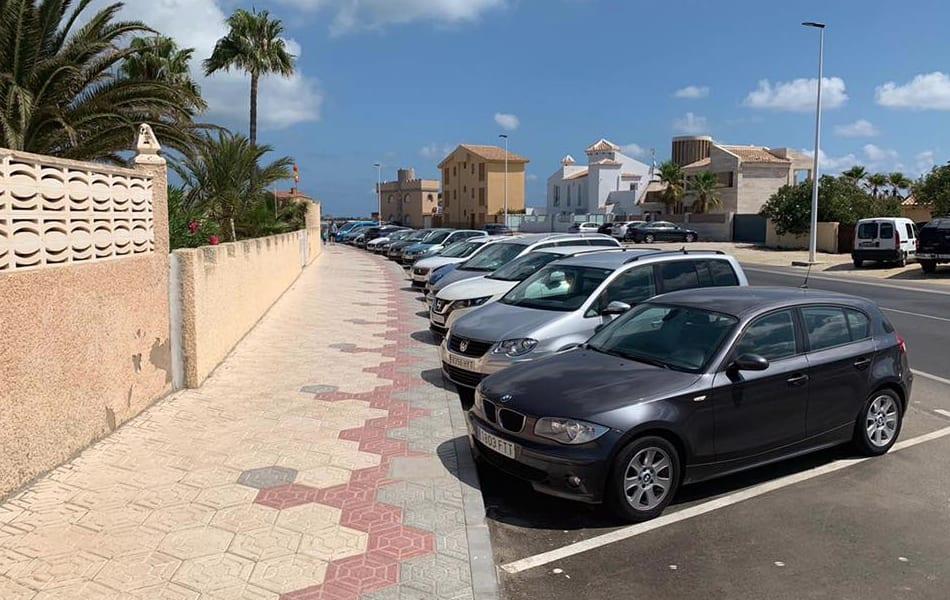 El Ayuntamiento de San Javier completa el paso peatonal con aceras hasta el puente del Estacio , en La Manga del Mar Menor