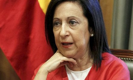 Margarita Robles pide esperar a que concluya la investigación referente al accidente aéreo en La Manga