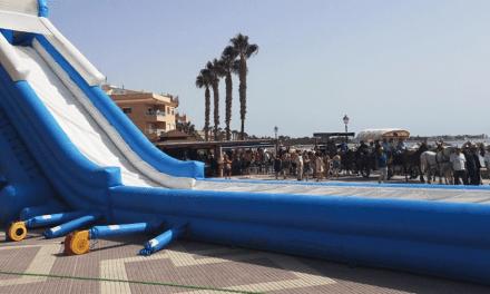 Un tobogán acuático gigante en Los Alcázares hasta el 14 de agosto 2019