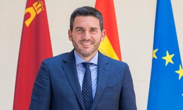 Antonio Luengo quiere impedir la entrada de 3.000 kilos diarios de nitratos al Mar Menor con virutas de madera
