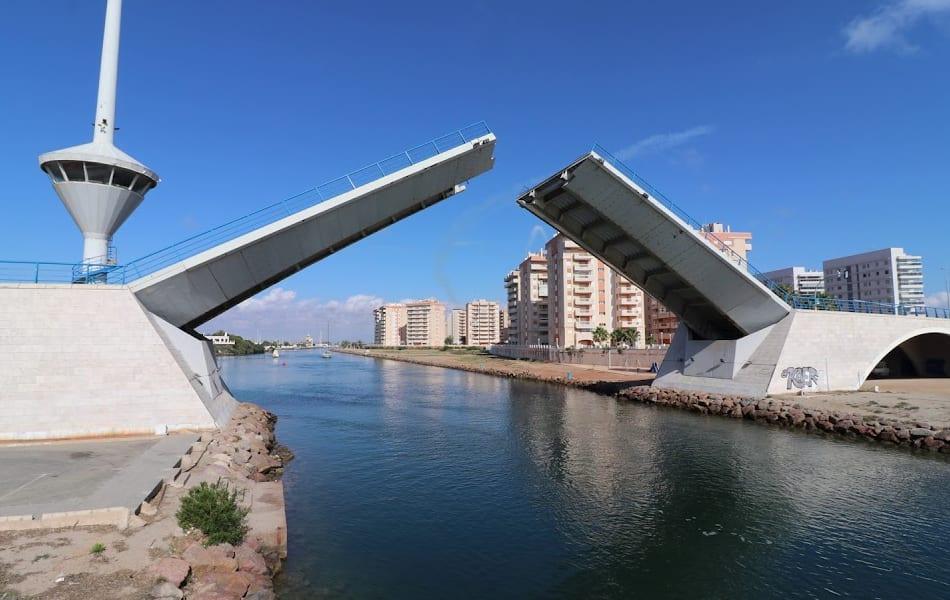 El puente del Estacio vuelve a funcionar con normalidad