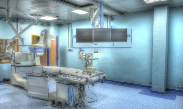 El jueves se reanudarán las operaciones tras la desinfección de los quirófanos del hospital Los Arcos