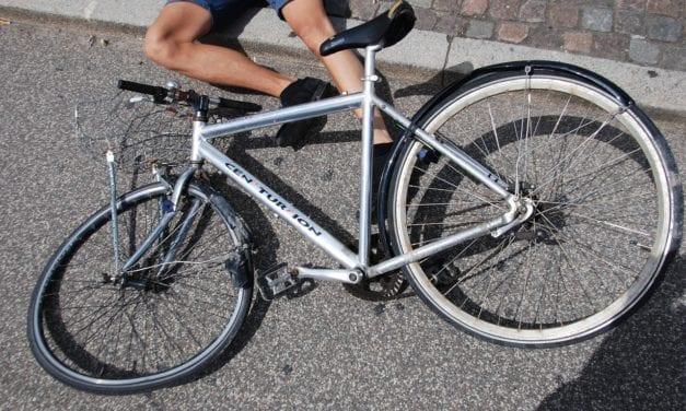 Encuentran  en el suelo a un ciclista con una herida profunda en la cara en La Manga
