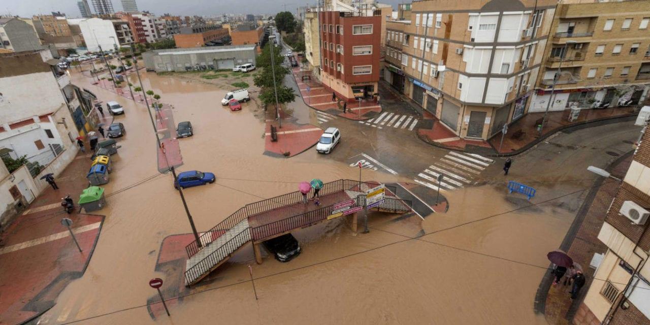 """""""Las inundaciones y la prevaricación por omisión"""""""