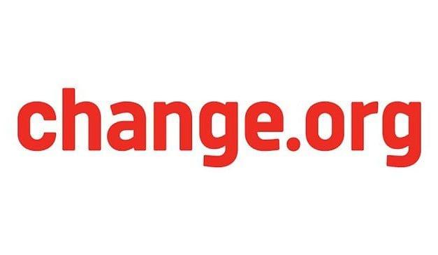 Presentan más 360.000 firmas para exigir soluciones urgentes al Mar Menor