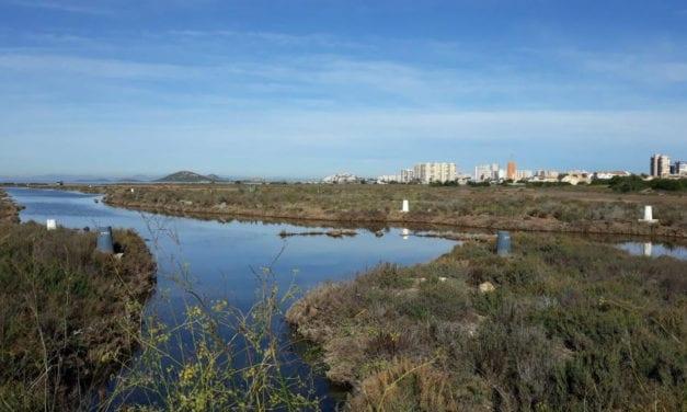Crisis en La Manga del Mar Menor: un plan para construir 634 viviendas en el entorno de la laguna salada
