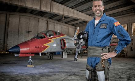 Fallece comandante Eduardo Fermín Garvalena de la Patrulla Águila al estrellarse su avión en La Manga del Mar Menor