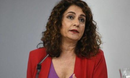 """La ministra de Hacienda dice que """"las cuentas de Murcia son una huida hacia adelante"""""""