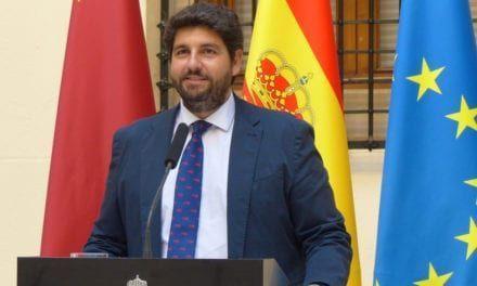 Fernando López Miras no descarta mantener el toque de queda en Navidad