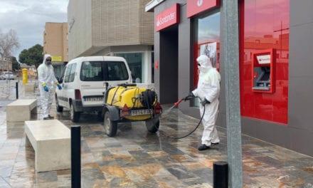 Seis equipos fumigarán a partir de hoy las zonas cercanas a establecimientos de apertura permitida, en el municipio de San Javier