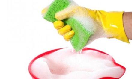 Sanidad aconseja limpiar con agua y jabón antes de desinfectar.