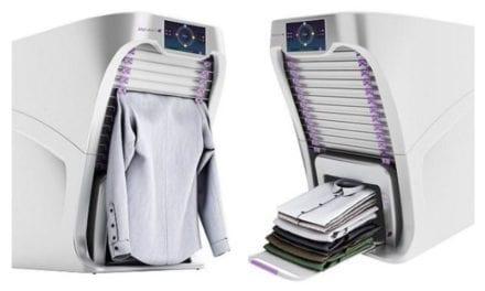 La máquina que plancha la ropa y la dobla en 4 segundos