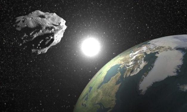 "Un gigantesco asteroide "" peligroso"" acercándose  a la Tierra en abril"