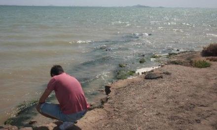 Vecinos denuncian el mal estado de las playas de Los Urrutias
