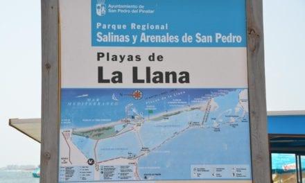 Un agente que se grabó en la playa diciendo que bañarse «es la cura del coronavirus.Se abre expediente desde la policía local de Murcia