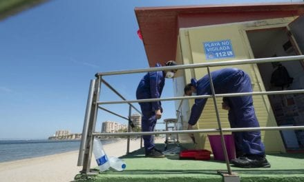 Las playas de Mar Menor y Murcia refuerzan la seguridad y la limpieza ante el regreso de los bañistas