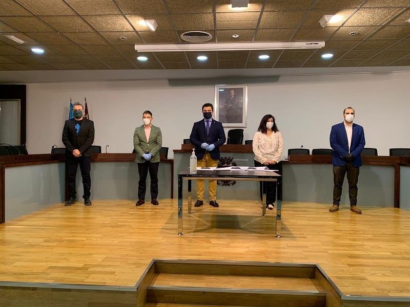 Todos los grupos políticos municipales, excepto VOX, han firmado el Pacto Relanza San Javier