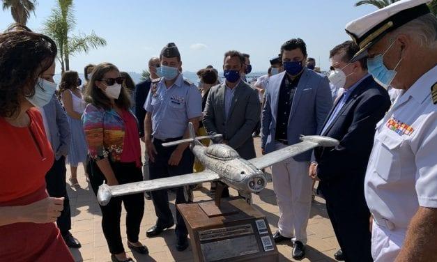 El paseo Colón de Santiago de la Ribera estrena un nuevo Museo Aeronáutico Tiflológico
