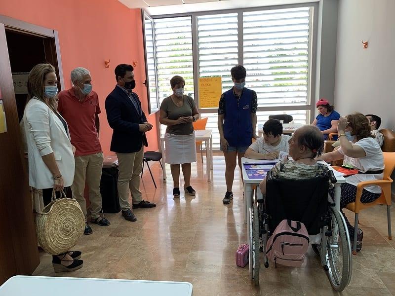Aidemar abre un nuevo Centro de Día y adquiere un autobús para mejorar la reducción de aforos marcada por la pandemia