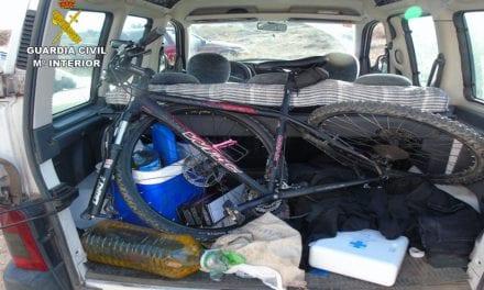 Cuatro jóvenes pillados conduciendo un coche robado por La Manga