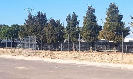 El Ayuntamiento de Los Alcázares comienza con el vallado del nuevo recinto de fiestas