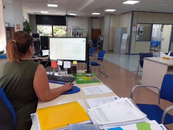 El Ayuntamiento de San Pedro del Pinatar destina 25 000 euros en ayudas de movilidad y material escolar