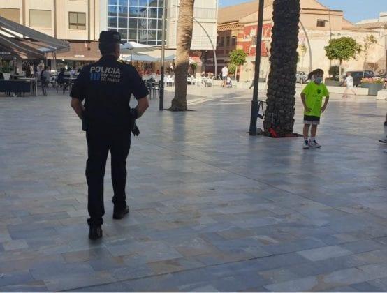 La Policía Local de San Pedro del Pinatar ha sancionado a 236 personas por no usar adecuadamente la mascarilla