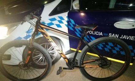 La Policía Local detiene a dos personas por robar bicicletas de alta gama en San Javier