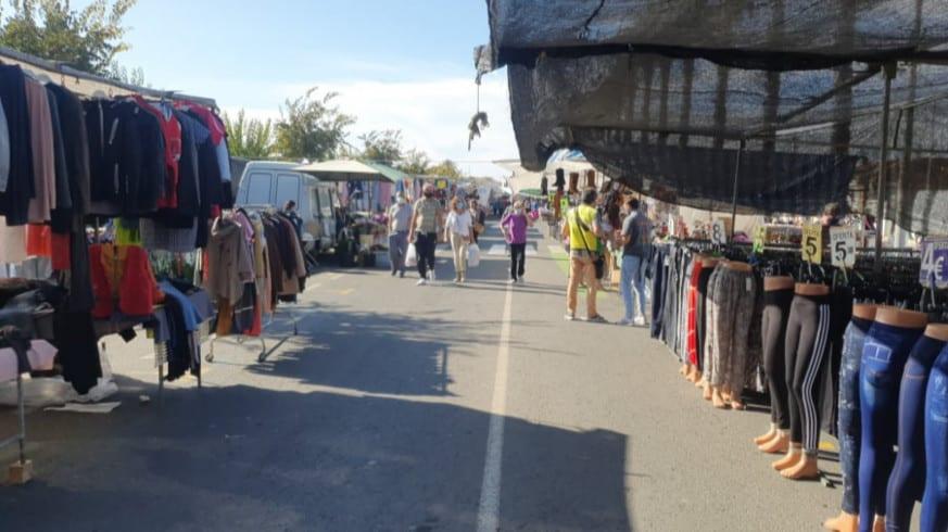 Indignación entre los vendedores del mercadillo de Los Narejos por la ausencia de clientela