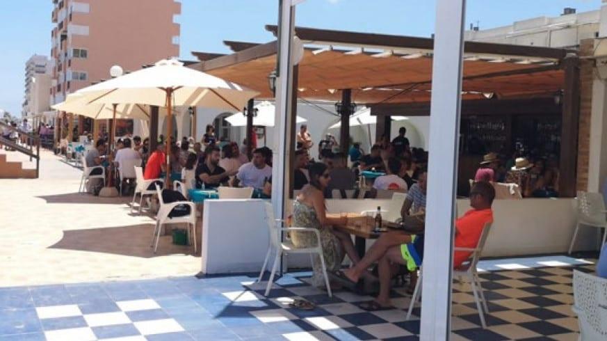 Todos los bares y restaurantes de La Manga del Mar Menor podrán abrir este fin de semana